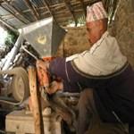 water-driven-mill-in-nepal